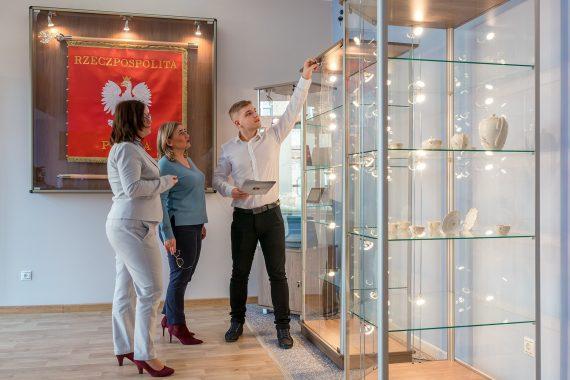 gablota szklana - gabloty ekspozycyjne, wystawiennicze, muzealne, wystawowe